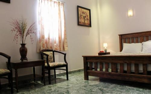 Expat room for rent 13