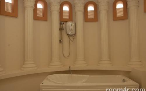 Bath room Room for rent in district 7