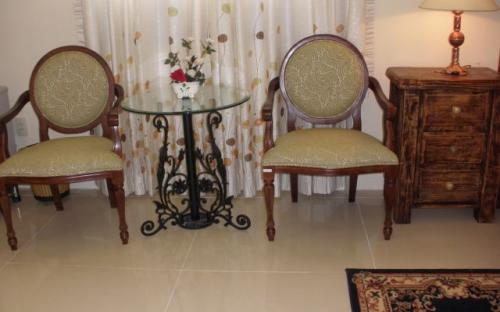 coffee chair table Room for rent in district 7